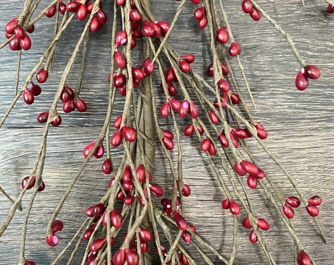 Red Pip  Berry Garland