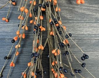 Orange and Black Pip  Berry Garland, Country Garland, Floral Garland, Fall Garland, Halloween Garland