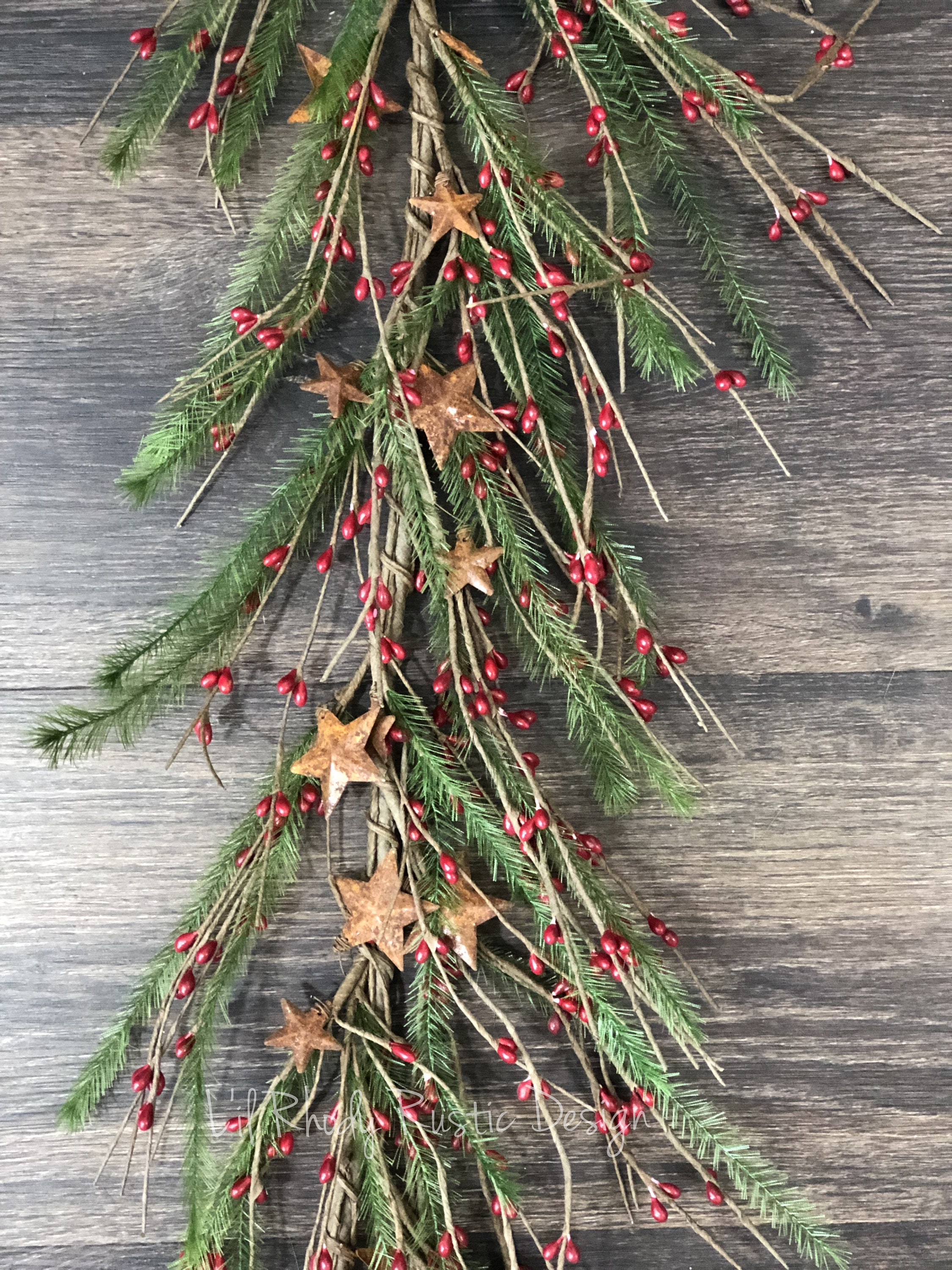 Pencil Pine Rusty Star Red Pip Berry Garland Christmas