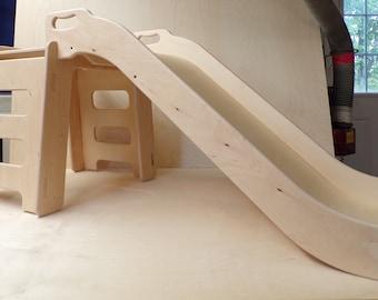 Wooden slide / Tobogan