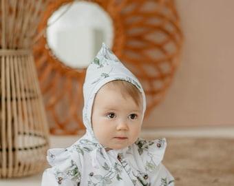 Baby pixie hat vintage with strawberries, baby elf hat, organic cotton, baby bonnet hat, first baby green hat,newborn pixie white hat
