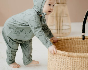 Organic cotton jumpsuit with cloud print, baby sleepsuit with zipper, baby organic romper, organic, one year old, for one year old baby