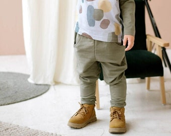 Khaki green organic cotton boy pants with pockets