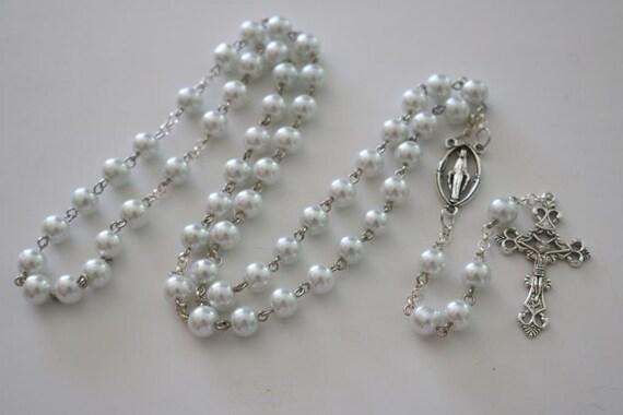 c0c3d6add0f Rosario blanco para boda rosario de primera comunion rosario