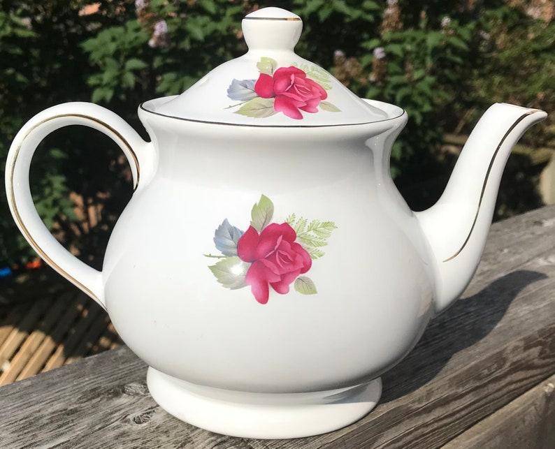 Pretty in Pink-Vintage Sadler Roses Teapot England