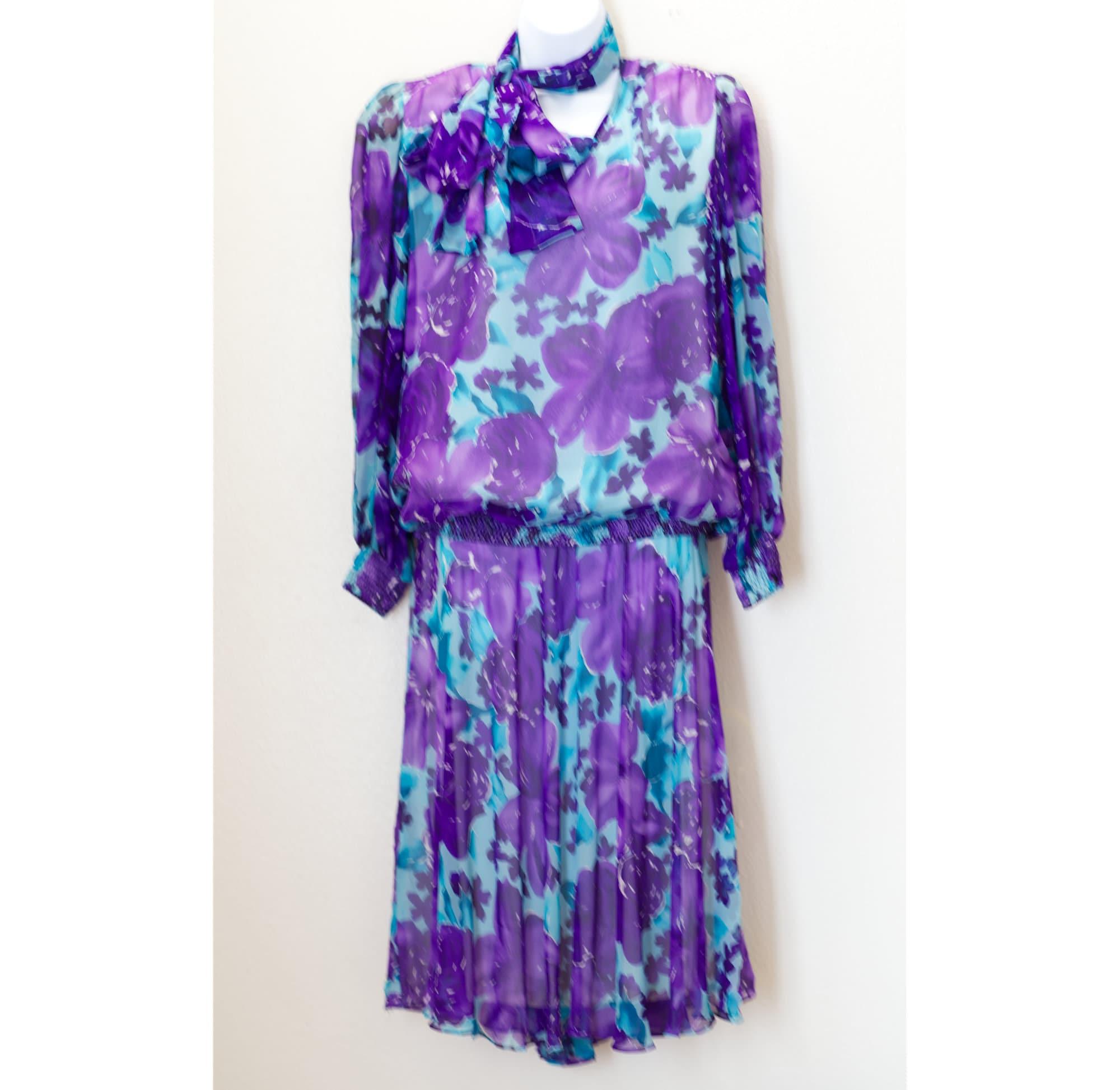 Vintage Scarf Styles -1920s to 1960s Vintage 1980S Silk Purple Floral Blouse  Skirt Set  Anne Crimmins For Umi Dress $0.00 AT vintagedancer.com