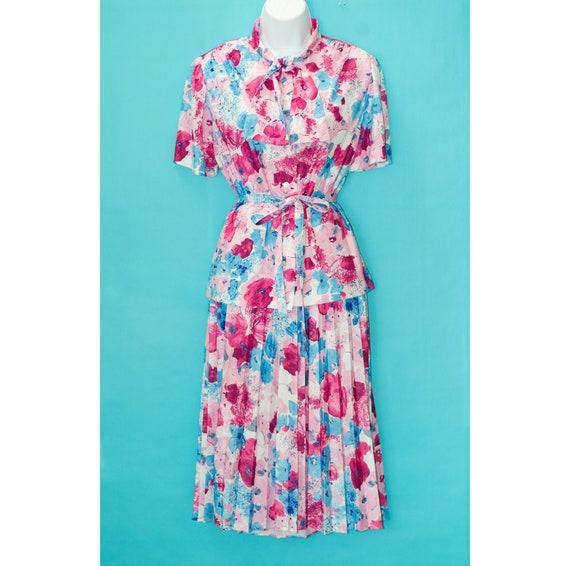 Vintage 1970s Floral Skirt Set   Tie Collar Blouse