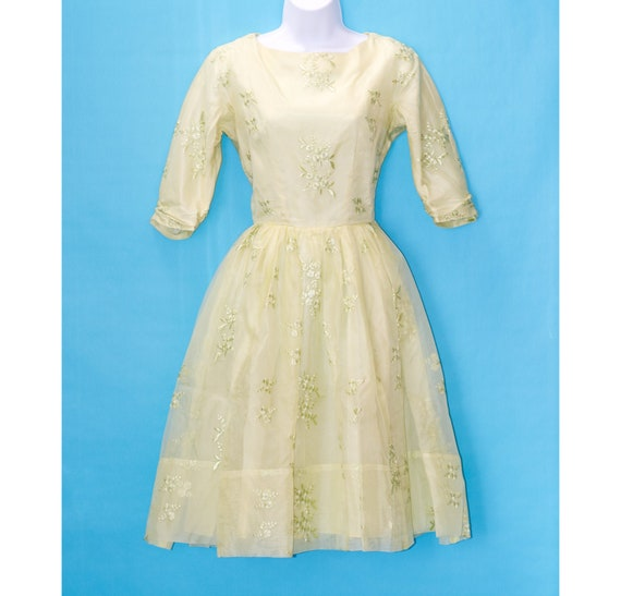 Vintage 50s/60s Pastel Chartreuse Dress | Small