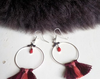 Earrings hoops Pompom