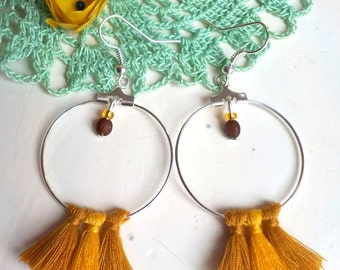 Creole earrings pompons
