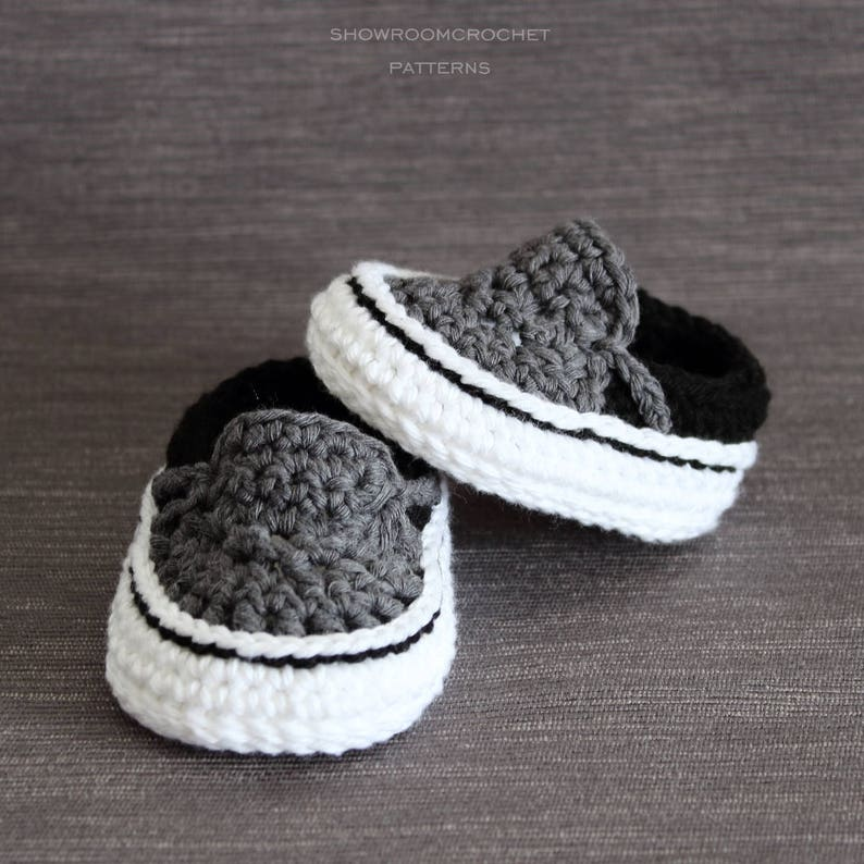 Crochet PATTERN. Baby sneakers. Instant Download. image 0