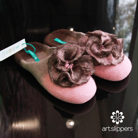 581a2e7aac363 Women's Slippers Custom Made 100% Merino Wool Beautiful Felted Slippers