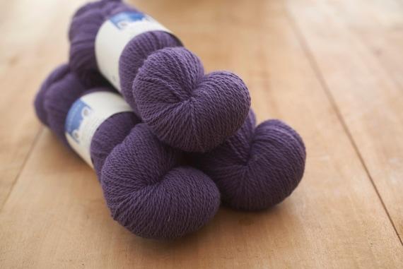 worsted spun 4 ply Border Leicester yarn Light grey Wainstones