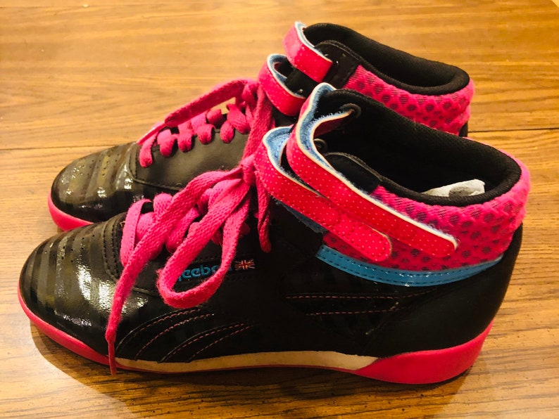 Vintage style Girls Freestyle Reebok LaceUp With Velcro Hot Pink Turquoise And Black Hightop Sneakers Size 4