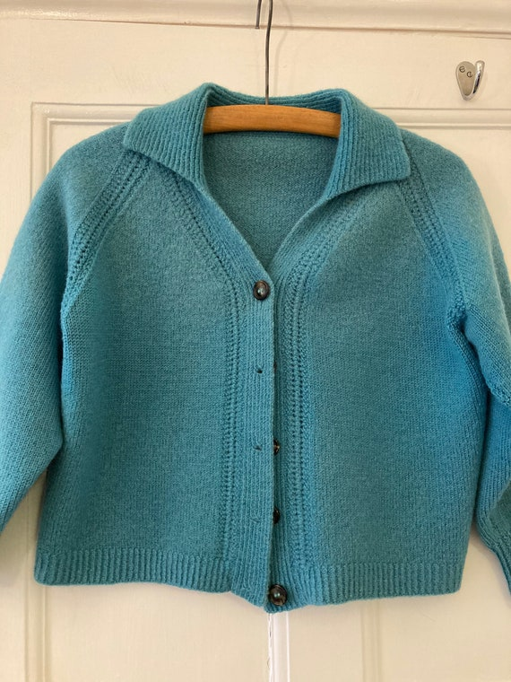 1950s turquoise hand knit collared cardigan