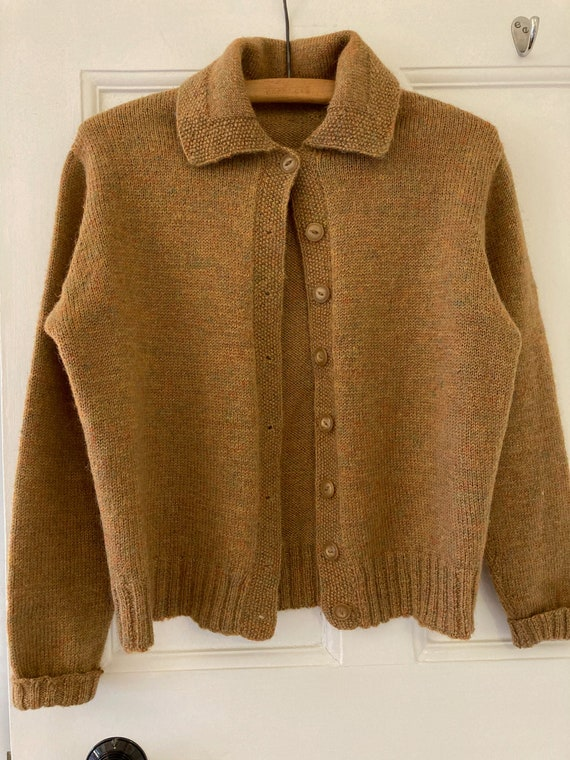 1940s hand knitted collared, golden brown flecked