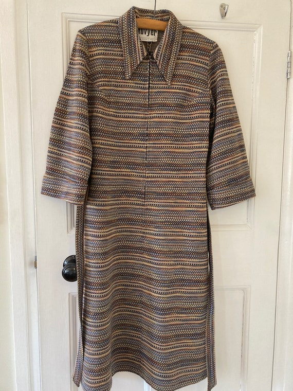1970s jersey dagger collar dress