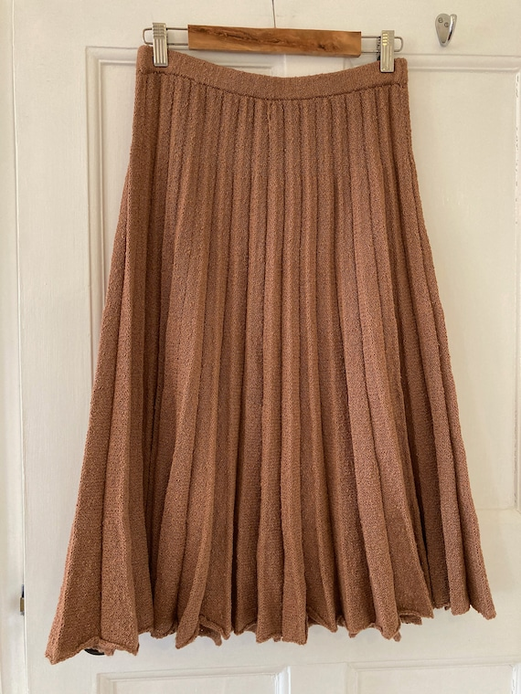 1940s hand knitted pleated skirt