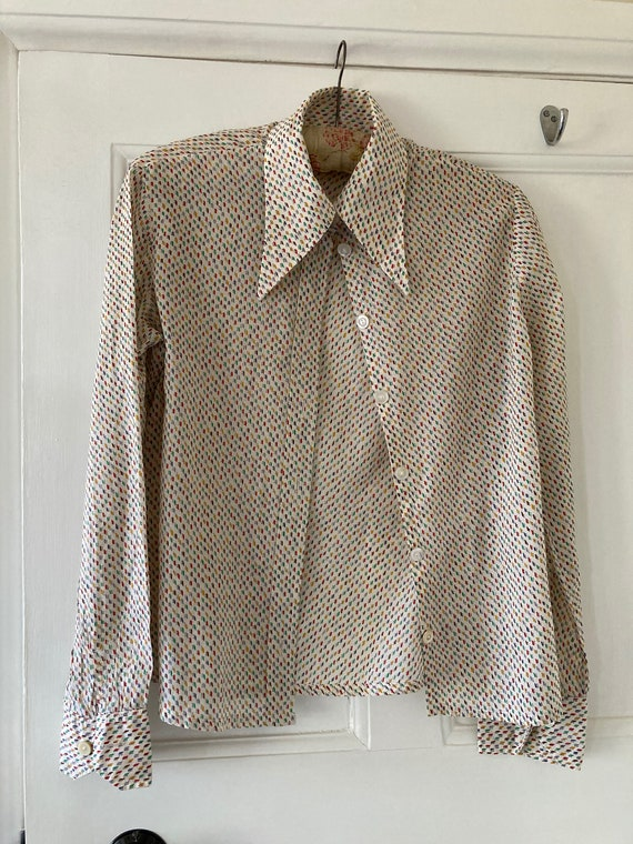 1970s dagger collar patterned shirt