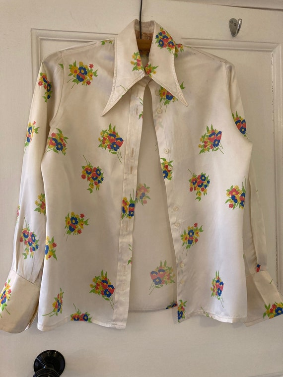 1970s dagger collar Deco style satin blouse