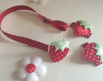 Red strawberry  dummy clip & hair clips set