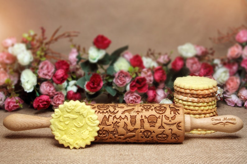 Halloween Rolling pin Engraved rolling pin Embossed  rolling pin Halloween pattern Gift for halloween Halloween embossed dough roller