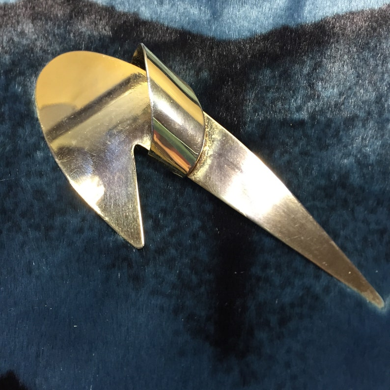 Space Age 2 inches Pin 1960s 1970s. Vintage Brass Boomerang Style Brooch Star Trek