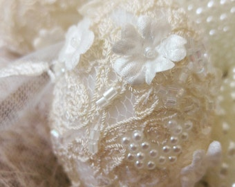 lace and pearl decorative egg