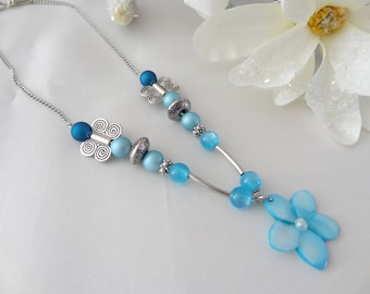 The turquoise flower Choker necklace mother of Pearl