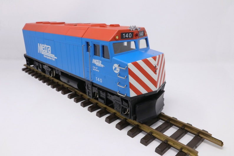 Large 18 inch Great Trains G scale Metra locomotive, Chicago, City of  McHenry 140, vintage, in great shape, with lights, tracks, not tested