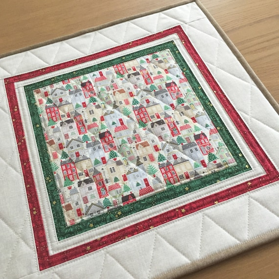 Christmas Table Runner Quilted.Christmas Quilted Table Topper Holiday Square Table Runner Quilted Christmas Wall Hanging Christmas Table Mat Holiday Candle Mat