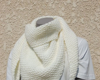 Scarf / knitted handmade white off