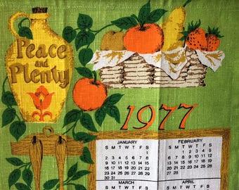 Vintage Linen Dish Towel 1977 Wall Calendar Old, Retro Kitchen, Movie prop, Year you were born,