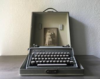 Remington Rand Quiet-Riter Manual Typewriter with case, Vintage Office, Wedding Note Writer