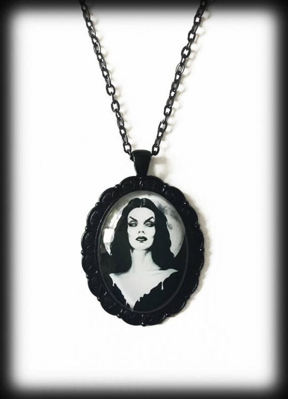 Gothic Vampira Vampire Retro Horror Host Glass Halloween Black Pendant Necklace