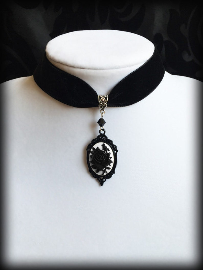 3a9ae12edb73c Black Rose Choker, Black Velvet Gothic Victorian Choker Necklace, Black and  White Rose Cameo, Romantic Valentine Gift For Her, Goth Jewelry