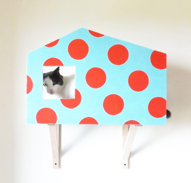 Cuccia di design a parete per gatti colore carta da for Parete attrezzata gatti
