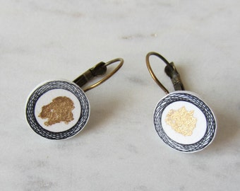 Earrings around with graphic patterns/handmade/hand drawing/pattern/gold/graphic/County