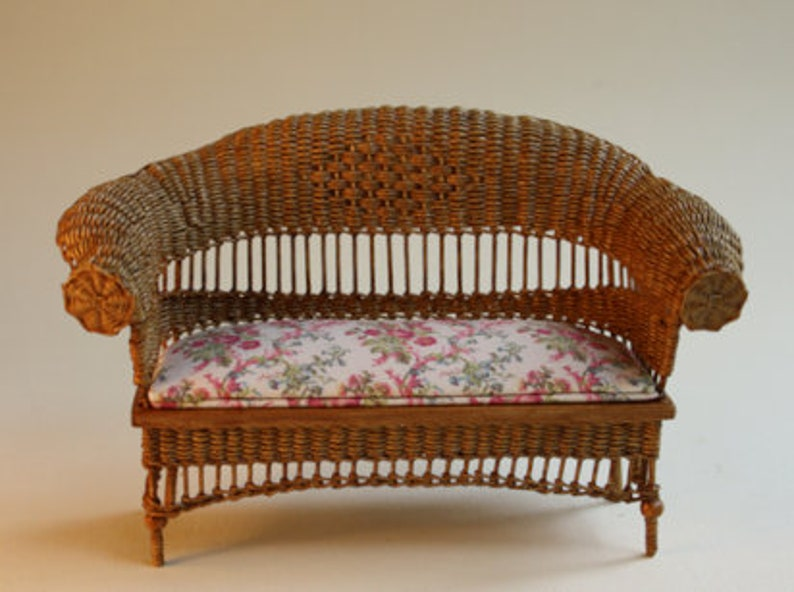 Dollhouse miniature Wicker couch scale 1 : 12 WC/13 17 image 0