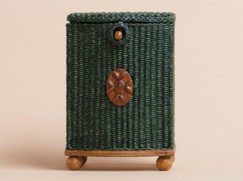 Dollhouse miniature Wicker hamper scale 1 : 12 WC/10 13 image 0