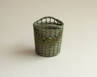 Dollhouse miniature, Wicker basket with ornaments, scale 1 : 12, WC/18 04