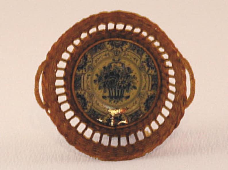 Dollhouse miniature Wicker basket scale 1 : 12 WC/15 18 image 0