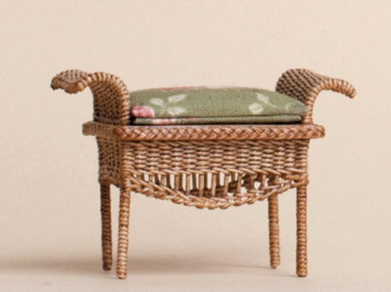 Dollhouse miniature Wicker Ottoman scale 1 : 12 image 0