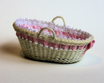 Dollhouse miniature, Wicker baby travelling basket, scale 1 : 12, WC/18 15