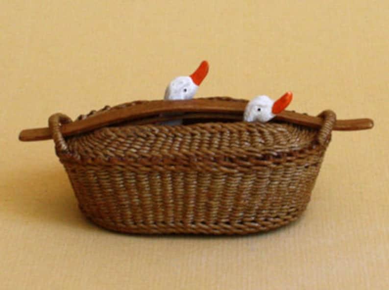 Dollhouse miniature Wicker goose transport basket scale 1 : image 0