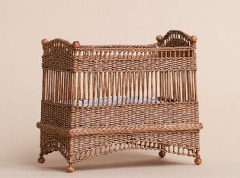 Dollhouse miniature Wicker child's bedstead scale 1 : image 0