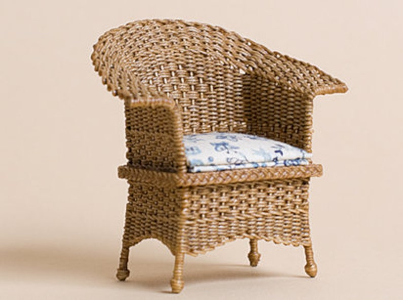 Dollhouse miniature Wicker chair check pattern scale 1 : image 0