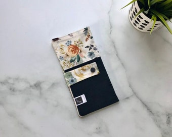 3b7f582835c8a Protège carnet de santé - pochette fleurs - vintage - fille