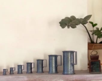 Complete set of 7 cups measure 95% PELTRATO Tin