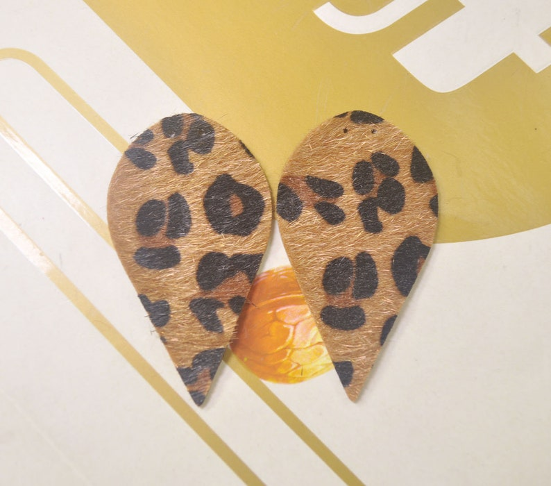 8Pcs DIY Leather Leaf Earrings,Brown Leopard Print Faux Leather Teardrop Charm Pendant,Leather Earrings,Leather Die Cut-62x34mm-VC4687#